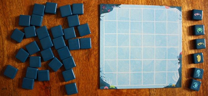 Das aufgebaute Spielfeld von Aqualin.