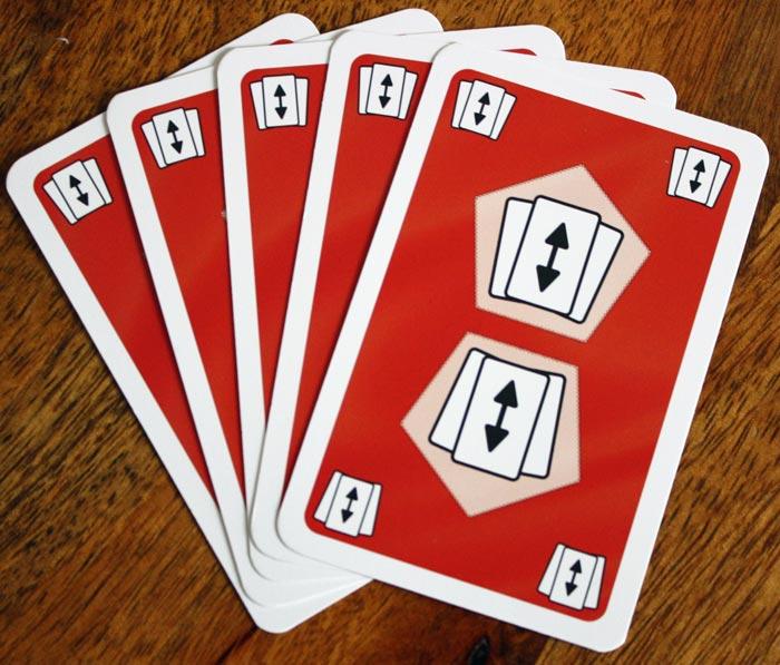 Der Kartentausch in Auruxxx® - alle Handkarten mit einem Spieler tauschen.