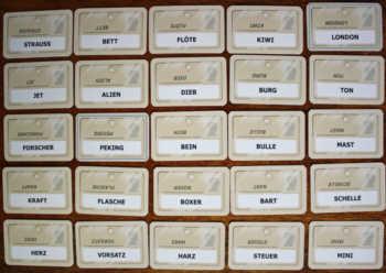 Kartenauslage von Codenames.