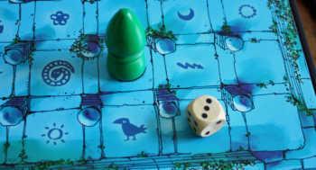 Der grüne Spieler darf bis zu drei Felder weiterziehen.