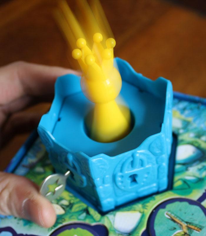 In den vorderen Schloss springt die Prinzessin raus!