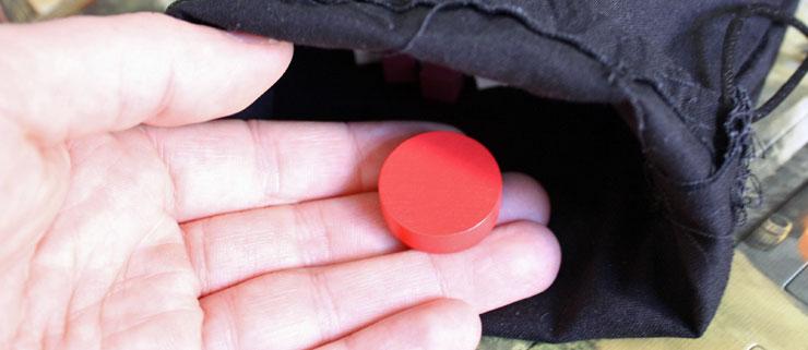 Mit der roten Scheibe kommt es zu dunklen Ereignissen.