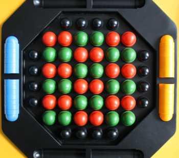 Focus-Spielaufbau bei 2 Spielern.