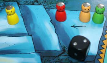Spieler gelb zieht 2 Felder vor.