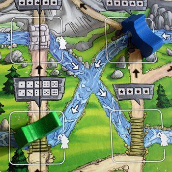 3. Blau übernimmt die Position und grün stoppt seinen Fall beim nächsten Feld.