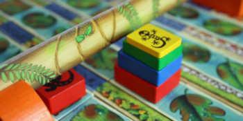 1. Der Spieler möchte mit allen vier Tieren gleichzeitig unter der Brück durch.