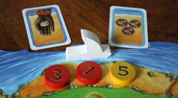 Beide Spieler erhalten eine Aktionskarte.