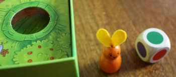 4. Der Spieler nimmt das Häschen.