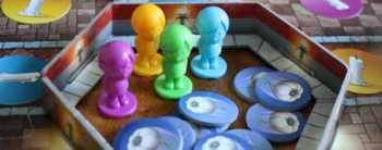 Die Spieler starten in ihrem Zimmer. Hier liegt auch ihr Knoblauch-Vorrat.