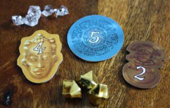 Die Schlusswertung: 5 Diamanten, 3 Goldstücke und 3 Tempelschätze = 22 Punkte.