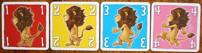 Jede Bewegungskarte hat eine Farbe und einen Wert.