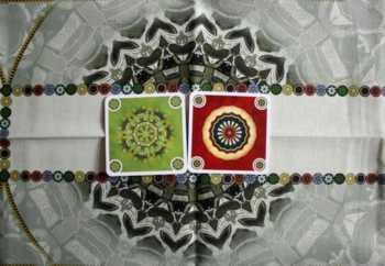 Das Zentrum und die zwei Felder der Spieler.