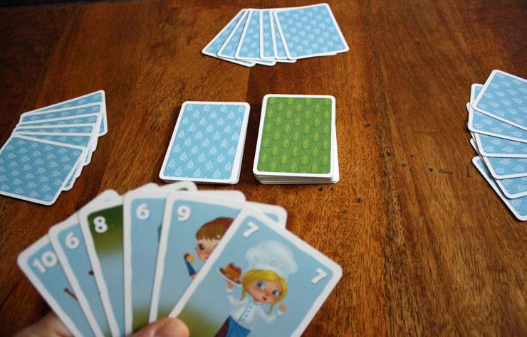 Spielvorbereitungen für 4 Spieler.
