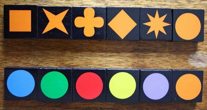 Eine Reihe besteht entweder aus Symbolen gleicher Farbe oder aus unterschiedlichen Farben mit gleichem Symbol.