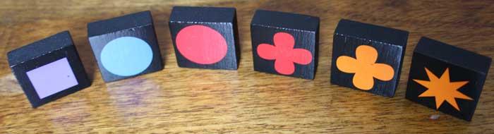 Für jeden Spielzug können die Spieler aus ihrem eigenen Vorrat bestehend aus sechs Steinen schöpfen.