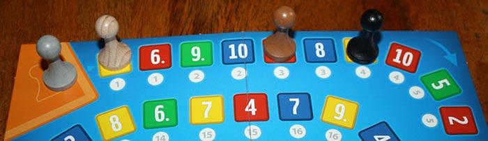 Die eigene Spielfigur um 1 - 5 Felder weiterziehen.