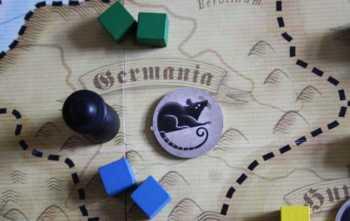 Die Pest wandert mit der Figur nach Germania.