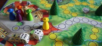 Der Spieler darf insgesamt 10 Felder gehen.