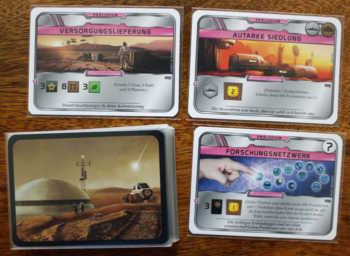 Die Präludiumskarten verändern die Ausgangslage der Spieler.