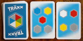 Karten zeigen vier oder fünf Farbfelder