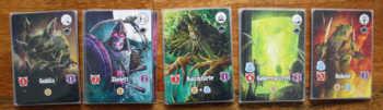 Die Monsterreihe besteht aus 5 unterschiedlichen Monsterstapeln.