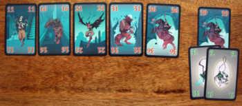 Liegen 6 Karten aus, greift die stärkste Kreatur an.