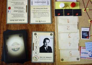 Die Nixon-Administration legt drei Beweismarker auf Feld 0.