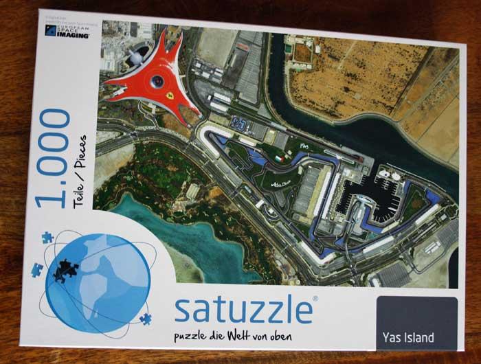 Satellitenbild-Puzzle von Yas Island.