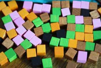Einflusssteine und Pechsteine bestimmen den Aktionsspielraum der einzelnen Spieler.