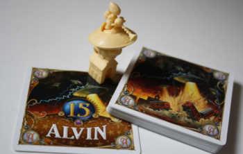 Alvin-Zubehör - die Spielfigur, Monster- und Bonuskarte.